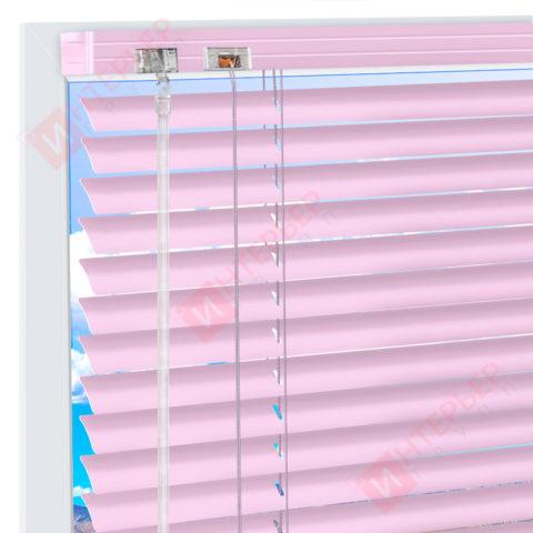 Горизонтальные алюминиевые жалюзи на пластиковые окна - цвет бледно-лиловый