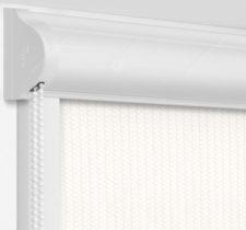 Рулонные кассетные шторы УНИ - Севилья молочный блэкаут на пластиковые окна